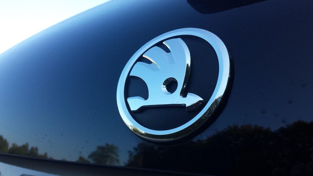 skoda rapid logo