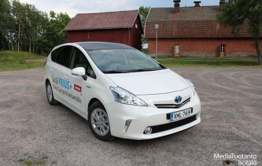 Koeajossa: Toyota Prius+ (2013)
