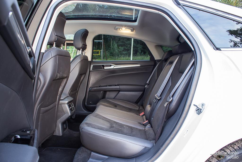 Mondeo rear seats